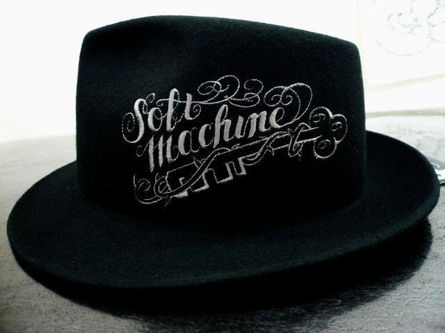 SOFTMACHINE LLAVE HAT