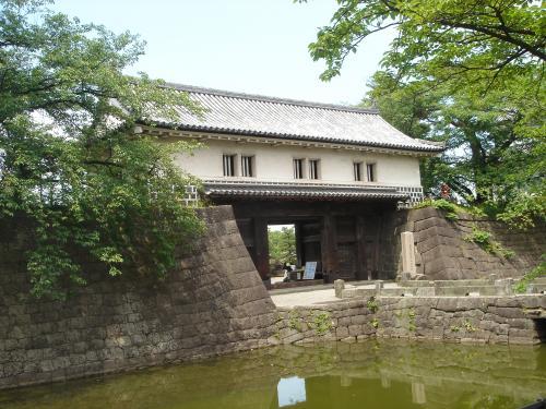 新発田城入り口