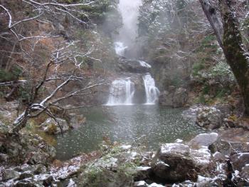 三段峡雪景色