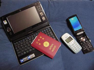 ノートPCと携帯