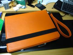ストラップ付iPadカバー