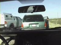 不法入国の車に何人乗ってる?
