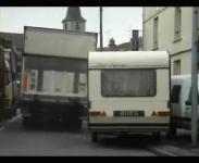 フランス警察と往生際の悪いキャンピングカーのカーチェース
