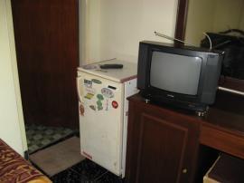 冷蔵庫とTVあり