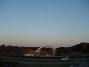 月がぽっかり