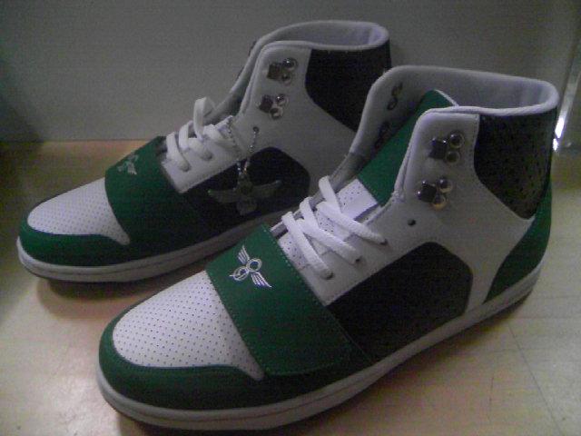 CR8 Cesario Emerald-Blk-Wht 4-1