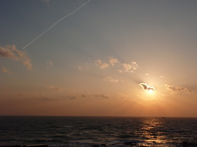夕陽とちょびっとひこうき雲