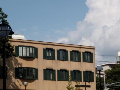 緑の枠の家200809