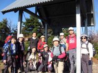 前武尊山山頂、ヤマトタケル像の前で