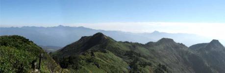 武尊山山頂からのパノラマ2