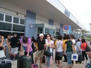 台風後の空港