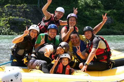 rafting_staff_img_044.jpg