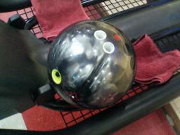 ボウリングボール1