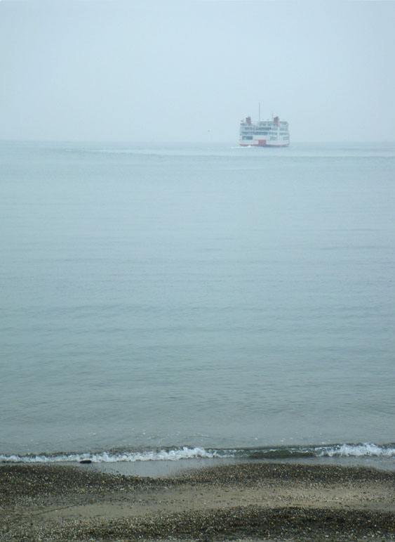 081116白い船2