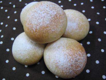 全粒粉のまるパン