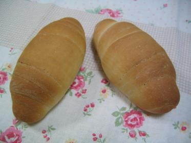 ライ麦ロールパン