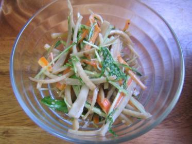 水菜とごぼうサラダ