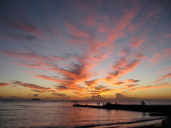 ワイキキビーチの夕日♪