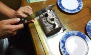 ルタオ生チョコロールケーキ2