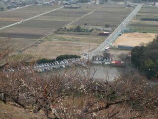 20120308綾部山梅林駐車場