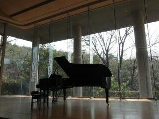 20120408三木山森のホール