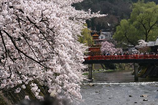 090414 春の高山祭 381