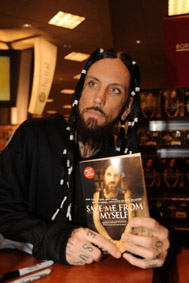 Brian Head Welch08092101