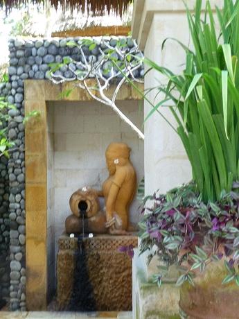 kiranaの銅像3