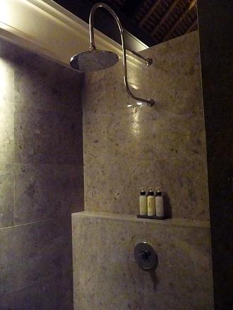 セントーサ シャワー
