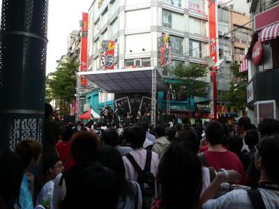 簽唱會@台北通りの様子