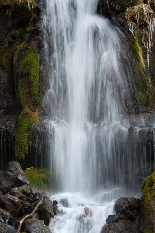 _DSC0018 吐竜の滝