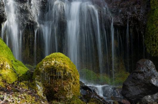 _DSC0014 吐竜の滝