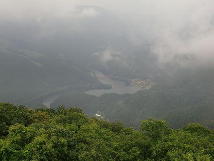 コスモス展望台からの金砂湖
