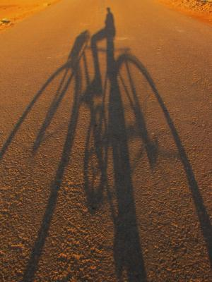 チャリ好きの影