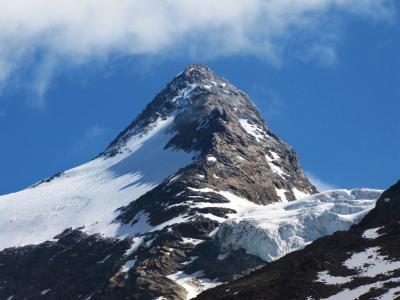 山の雪化粧@サース谷