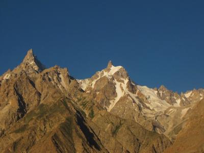 グルミットを見下ろす山々