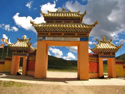 白玉寺正門
