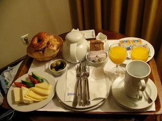 ルームサービスで朝食
