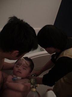 オト&ばあばとお風呂