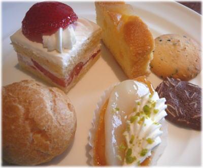 ティータイムのケーキ