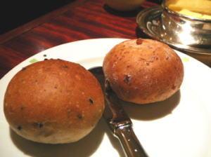 ゴマ&クルミのパン