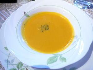 季節のポタージュスープ「パプキンスープ」