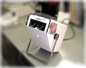 視力検査機