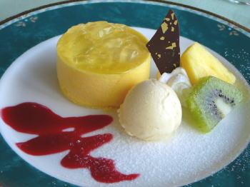 マンゴーとパッションフルーツのムース