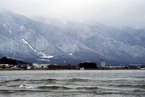 比良山と琵琶湖