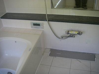 浴室タイル貼り