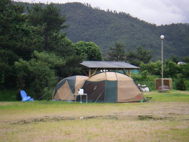 無人のテント