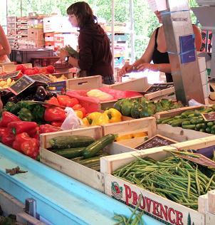 シャモニ朝市野菜売り場