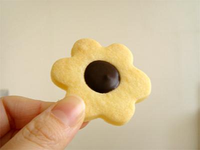 花チョコクッキーb
