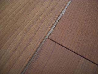 床のトラブル